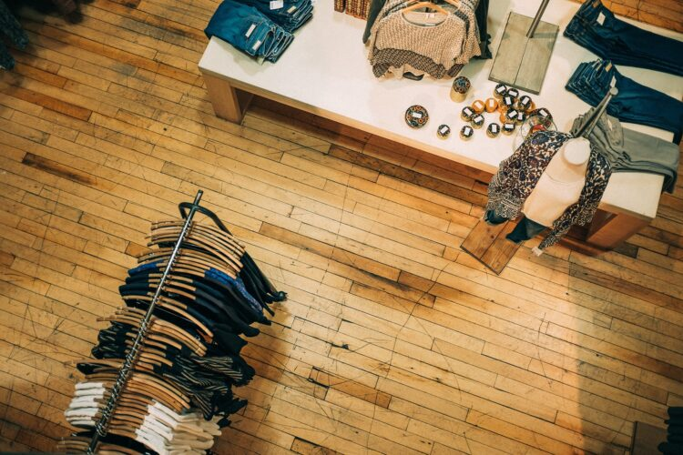 Store_fixtures_for_fashion_brands