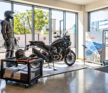Produkcja_displayów_dla_motocykli_Pan_America_Harley-Davidson