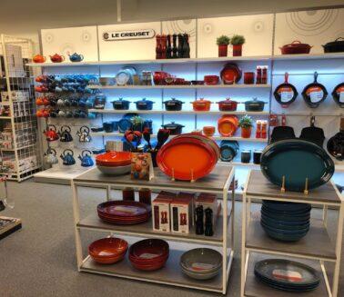 Kitchen_utensils_store_fixtures