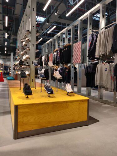 Hot_spot_store_displays